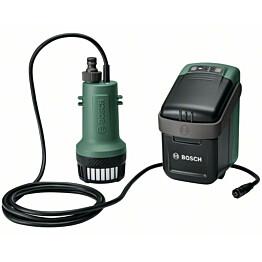 Akkuvesipumppu Bosch GardenPump 18 18V 2.5 Ah akulla