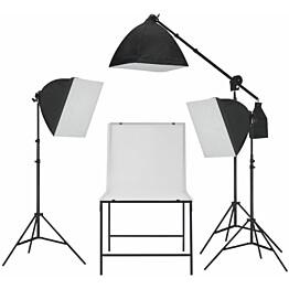 Valokuvastudio, softbox valosarja kuvauspöydällä