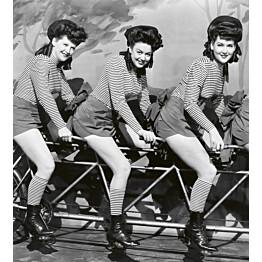 Kuvatapetti Dimex  Women In Bicycle  225 x 250 cm