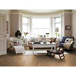Laminaatti Domestic Extra Classic Plank Natural Tammi 3-sauva olohuoneessa