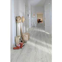 Laminaatti Domestic Extra Classic Plank Silver Mänty lauta aulassa