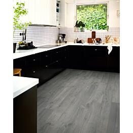 Laminaatti Original Excellence Modern Lauta 4V Sensation Urban Harmaa Tammi lauta keittiössä