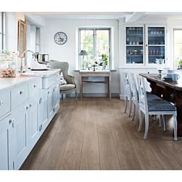 Laminaatti Living Expression Long Plank 4V Poltettu Tammi lauta keittiössä