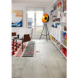 Laminaatti Living Expression Long Plank 4V Talvitammi lauta olohuoneessa