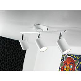 LED-kattospotti Explore 480x55x165 mm 3-osainen valkoinen käytössä