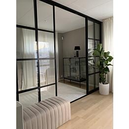 Tilanjakaja/liukuovi Mirror Line Ruudukko musta neljällä ovella matala malli mittatilaus