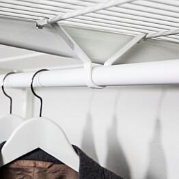 Vaatetangon kannatin Norscan Roller Wall System lankahyllyn alle valkoinen