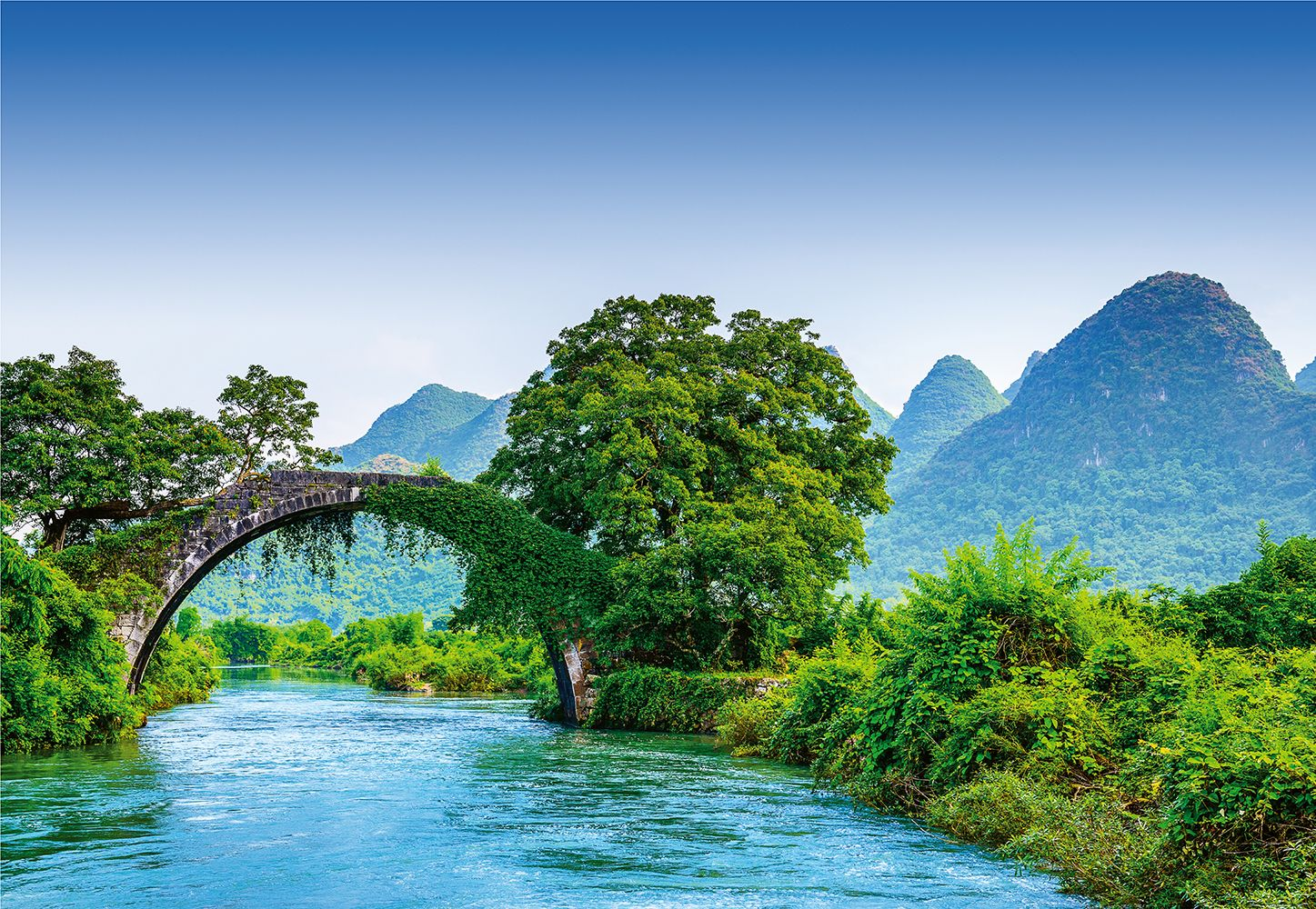 Valokuvatapetti Idealdecor Digital Bridge Crosses A River In China 4-osaa 5031-4V-1 254x368 cm