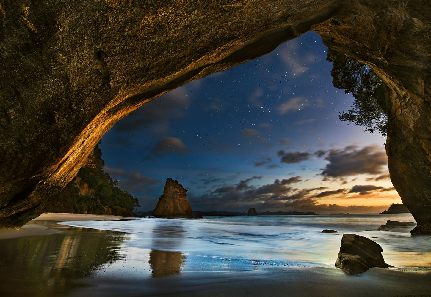 Valokuvatapetti Idealdecor Digital Cathedral Cove In New Zealand 4-osaa 5051-4V-1 254x368 cm