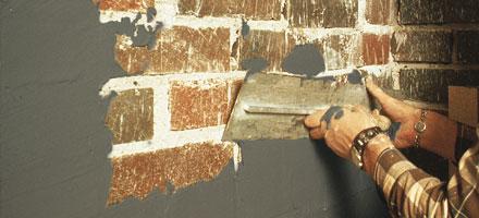 Seinän tasoitus saneerauslaastilla